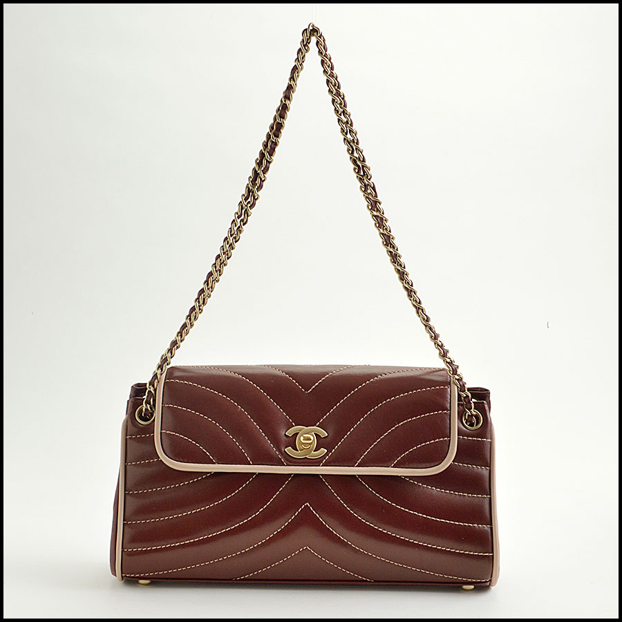 RDC8906 Chanel wave quilted bag