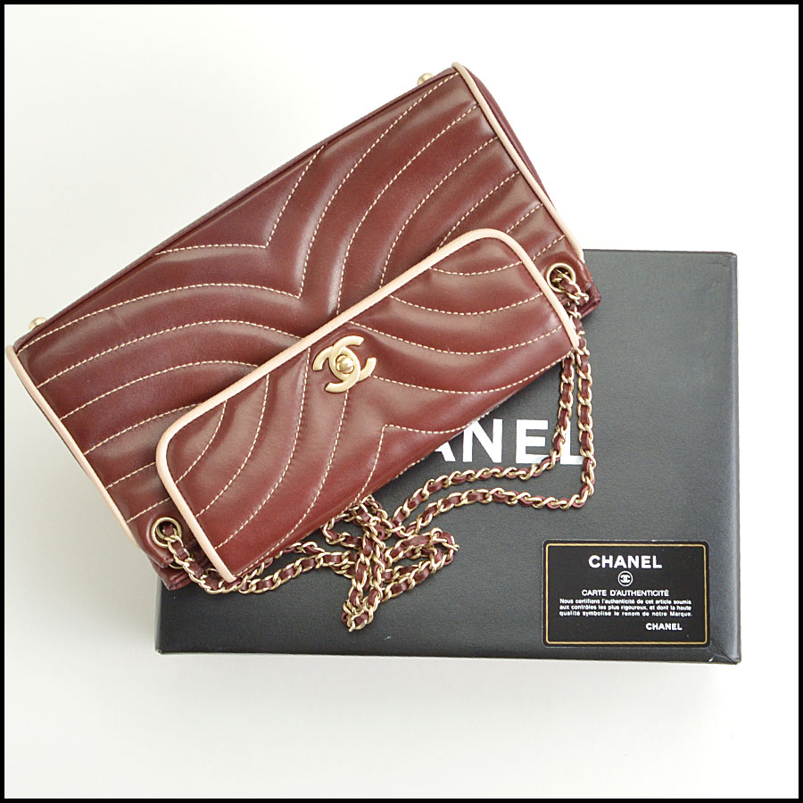 RDC8906 Chanel wave quilted bag  includes