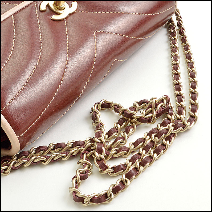RDC8906 Chanel wave quilted bag  handle