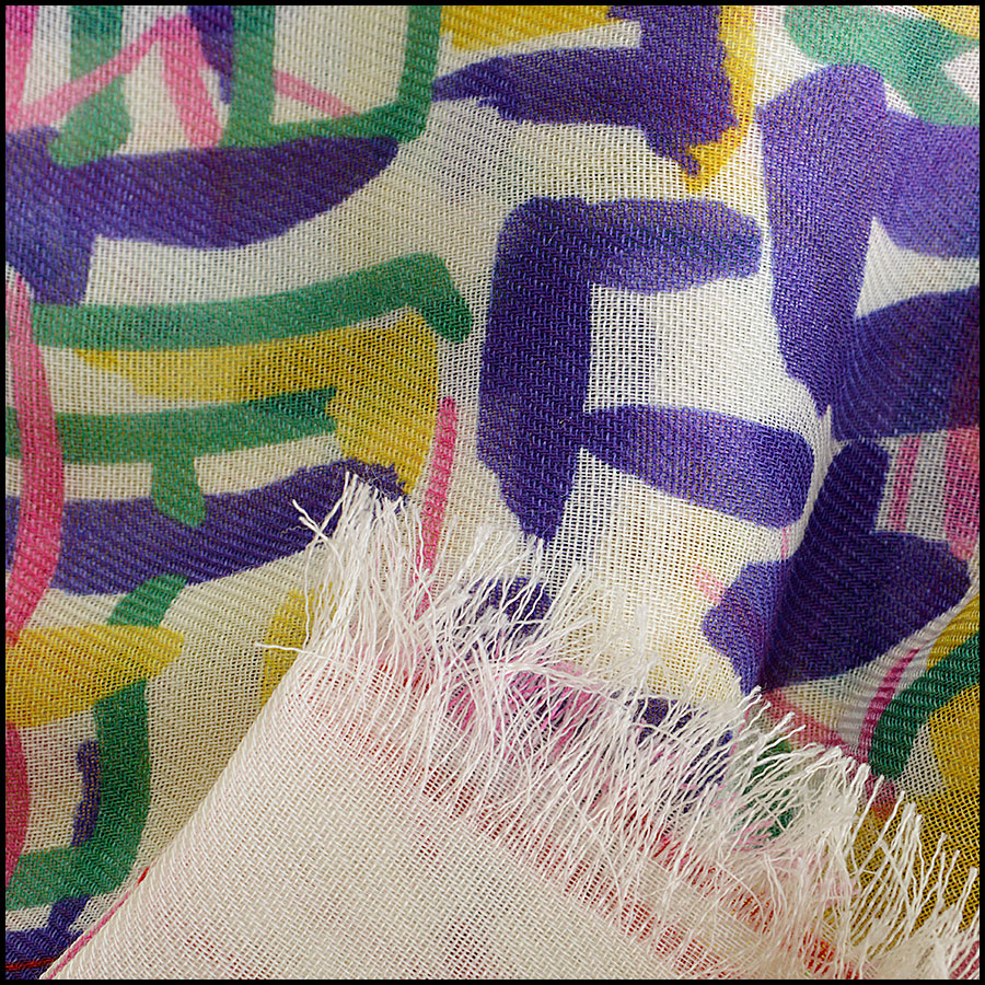 RDC8020 Chanel cream/yellow brush strokes shawl close up