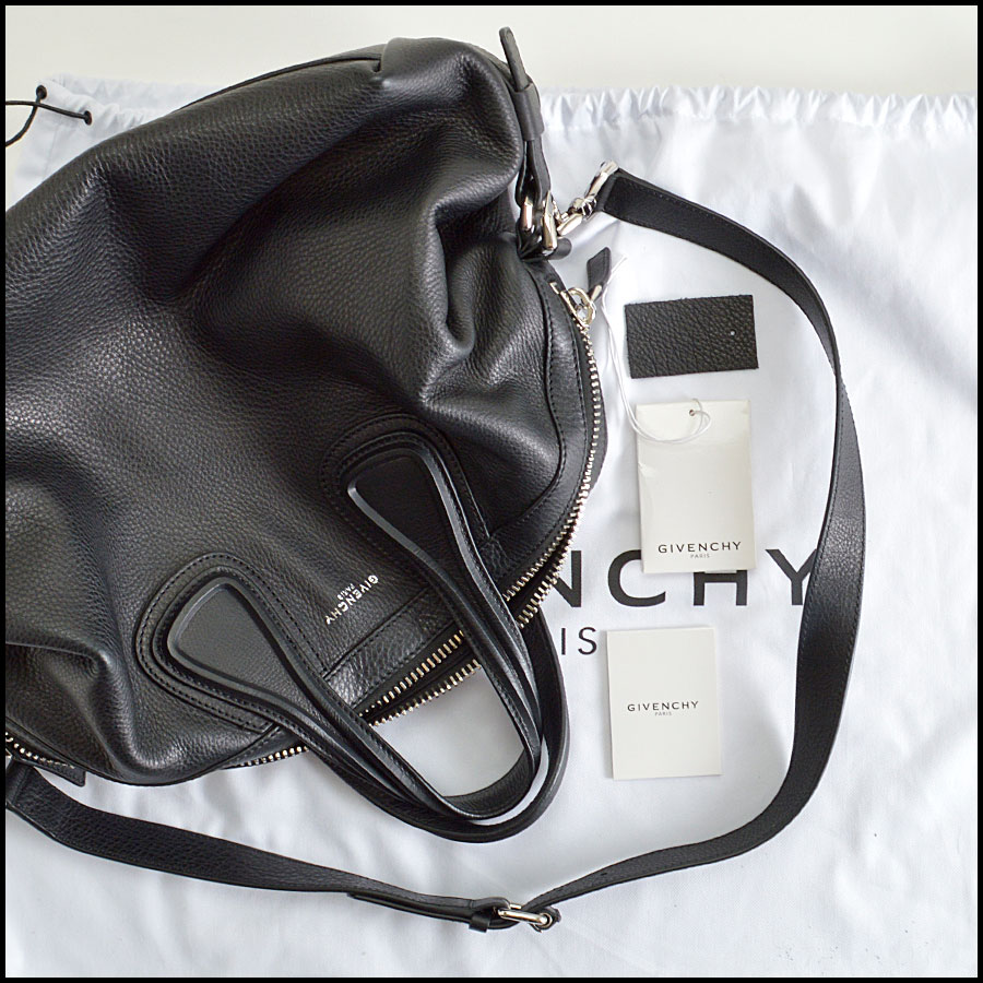 RDC8362 Givenchy Black Nightingale extras
