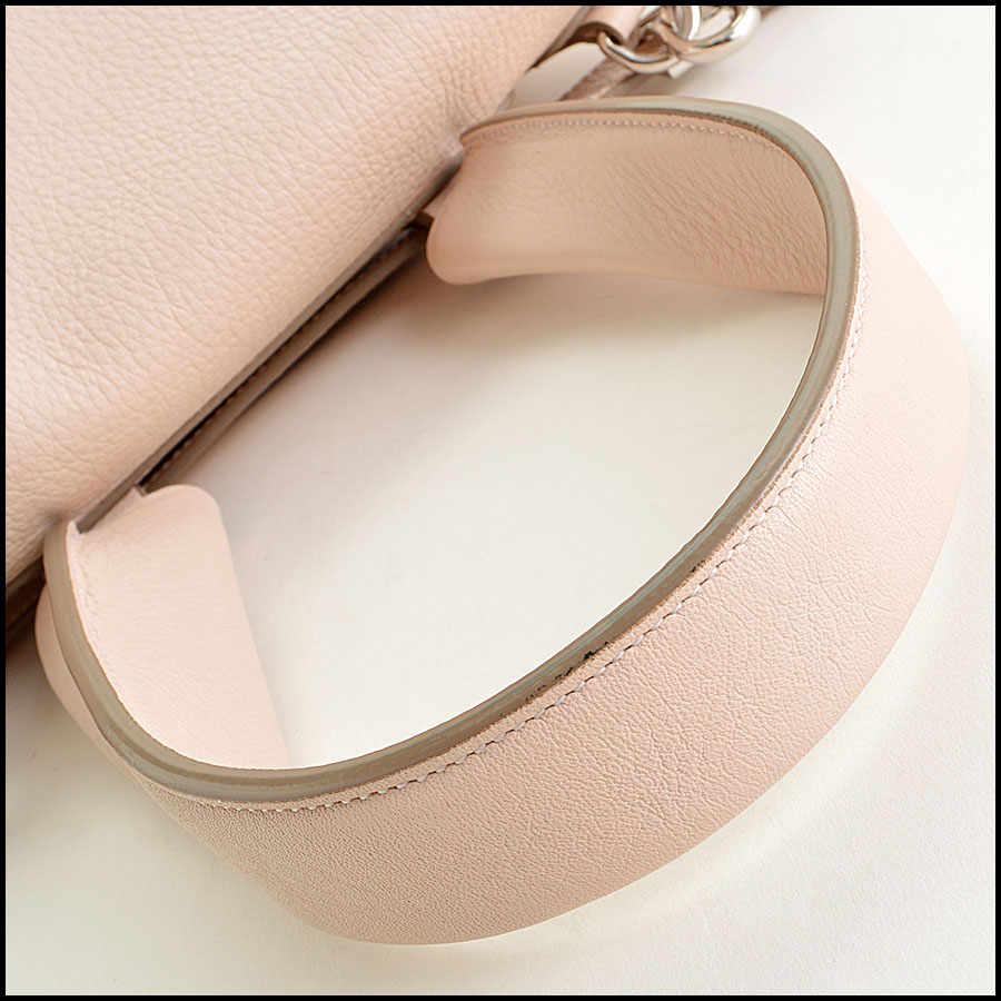 Givenchy Pale Pink Pandora Pure handle