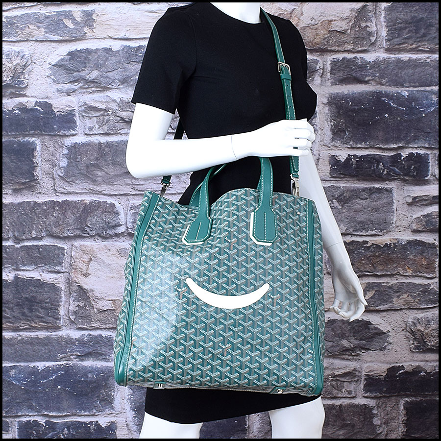 RDC9620 Goyard Green Limited Edition Smile Tote model