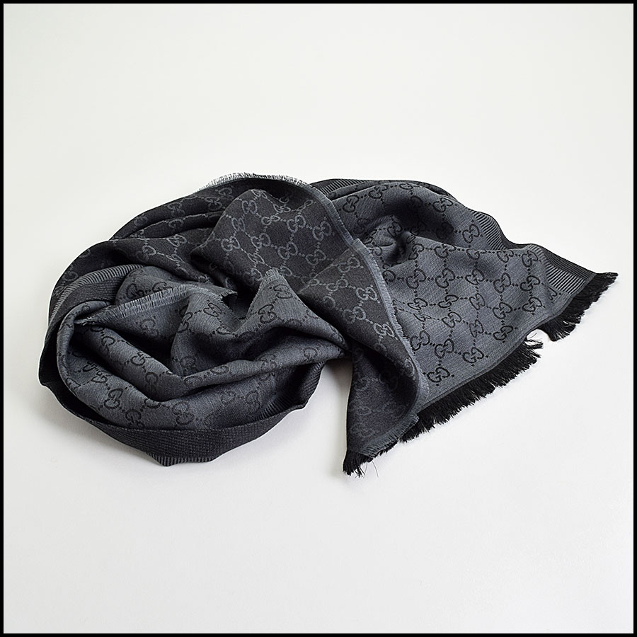 RDC9495 Gucci Charcoal Grey and Black GG Monogram Wool Stole fold