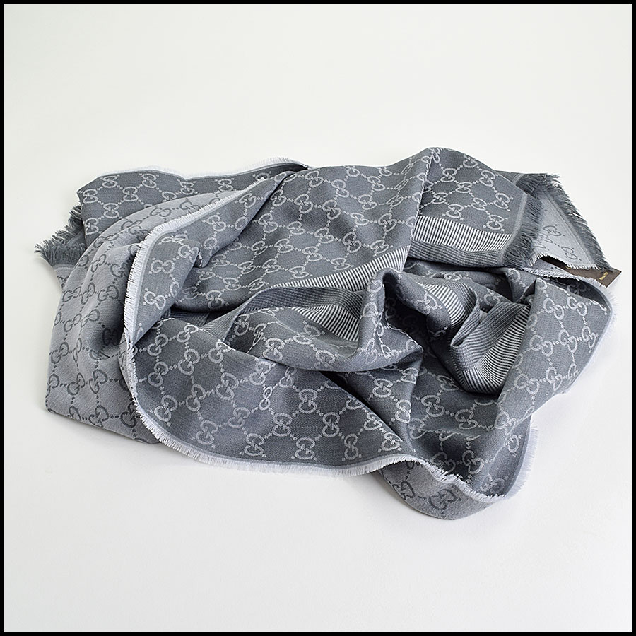 RDC9496 Gucci Light Grey GG Monogram Wool Stole fold
