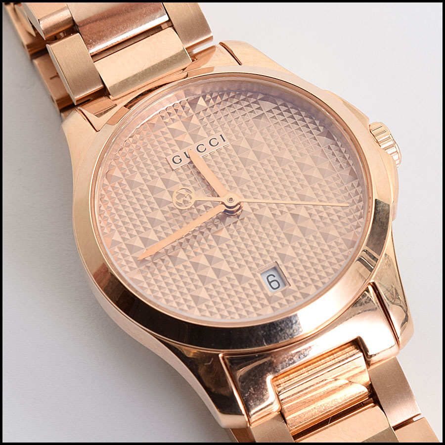 RDC9558 Gucci Gold Watch close up 2