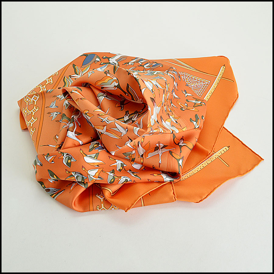 Hermes Libres Comme L'Air Silk Scarf Fold