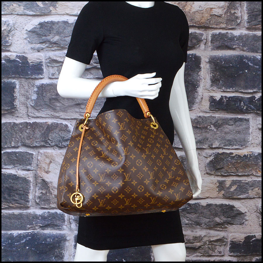 RDC8793 Louis Vuitton LV Monogram Artsy MM model