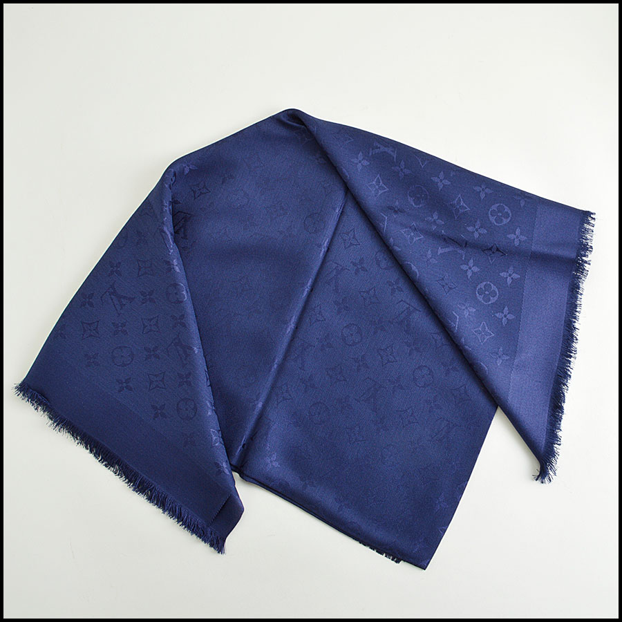 RDC8556 Louis Vuitton LV Monogram Night Blue Shawl fold 2