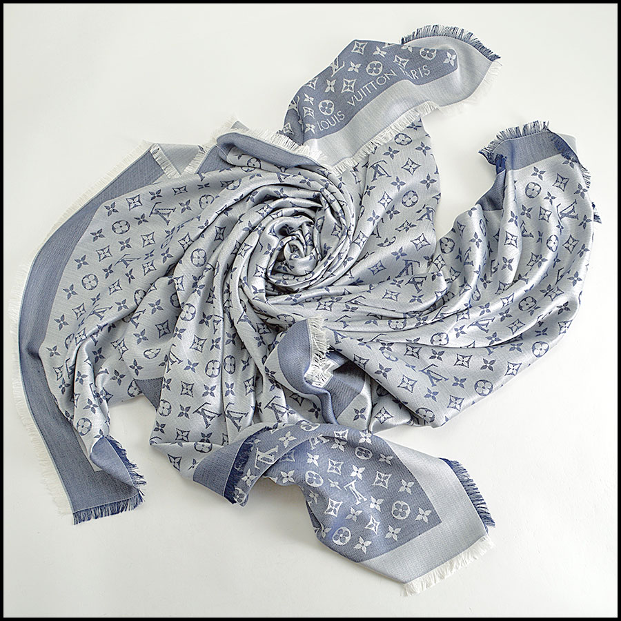 RDC8372 Louis Vuitton Denim Blue and Ivory Shawl fold 2