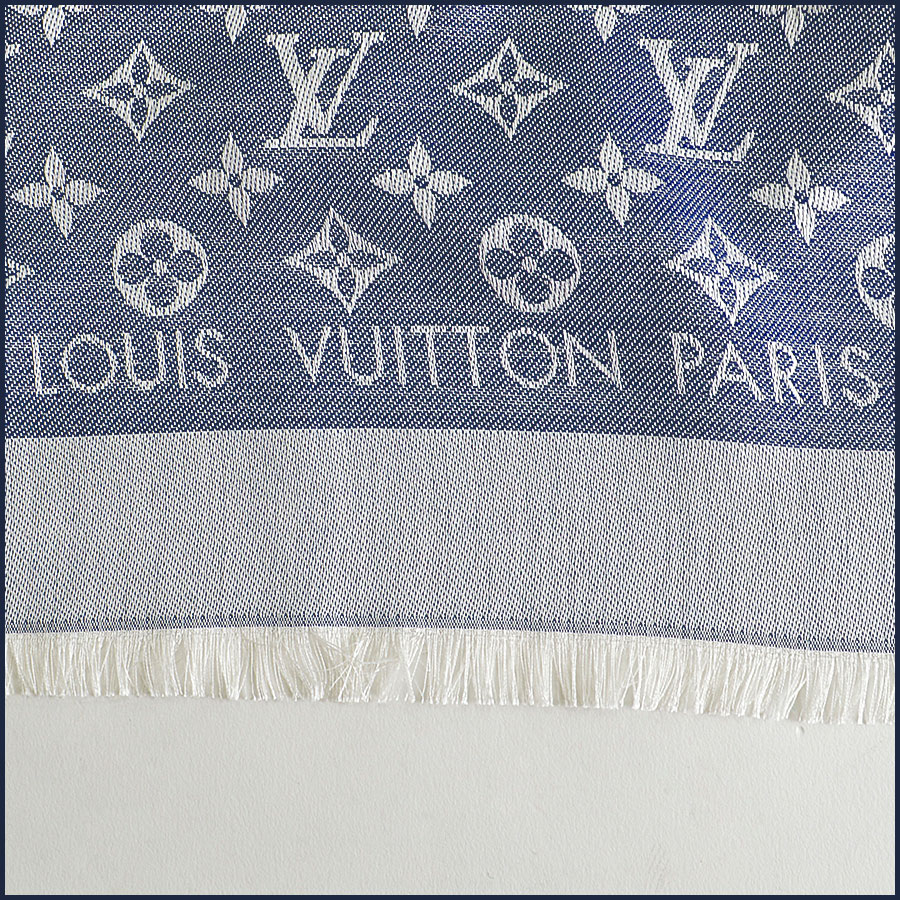 RDC8372 Louis Vuitton Denim Blue and Ivory Shawl Logo