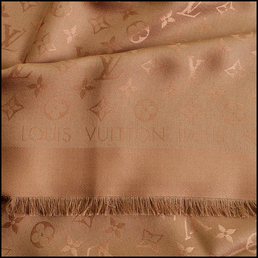 RDC8679 Louis Vuitton dusty rose shawl tag 2