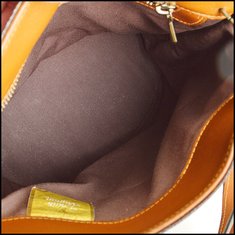 RDC8473 Louis Vuitton french co bucket bag inside