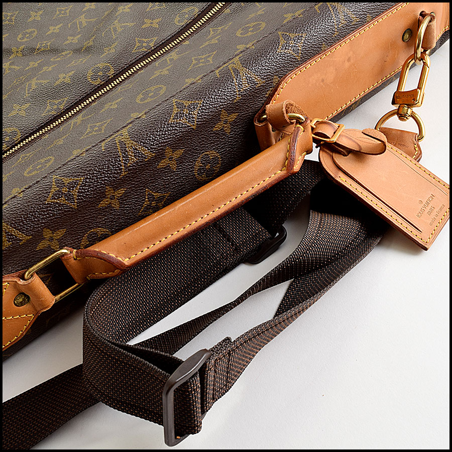 RDC9109 Louis Vuitton Garment Bag handle