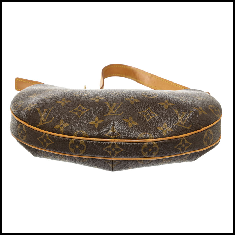 RDC7872 Louis Vuitton Monogram Canvas Leather Croissant PM bottom