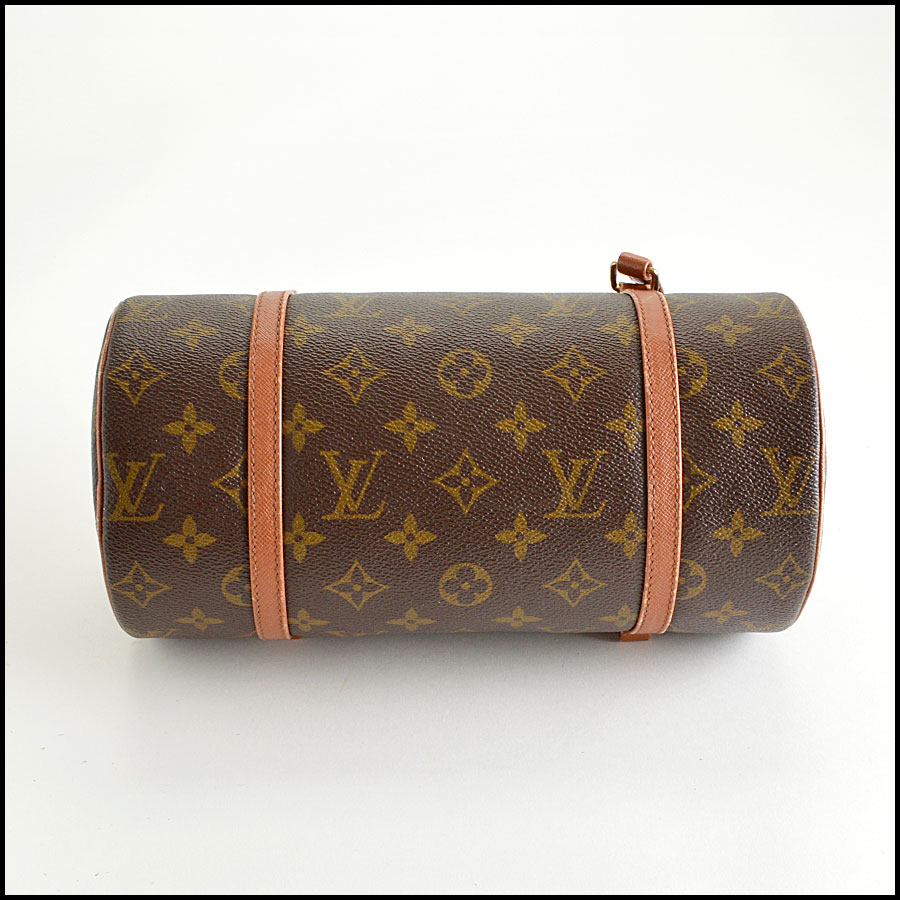 RDC8211 Louis Vuitton LV Monogram Papillon 26cm bottom