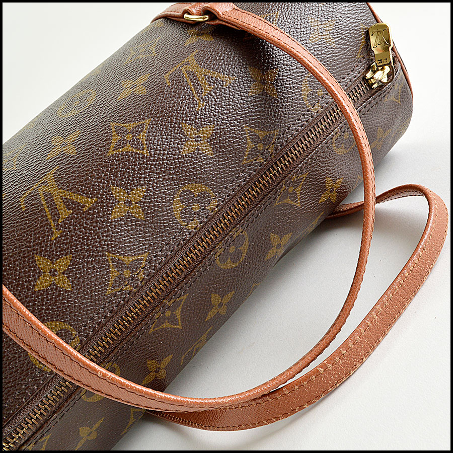 RDC8211 Louis Vuitton LV Monogram Papillon 26cm handle