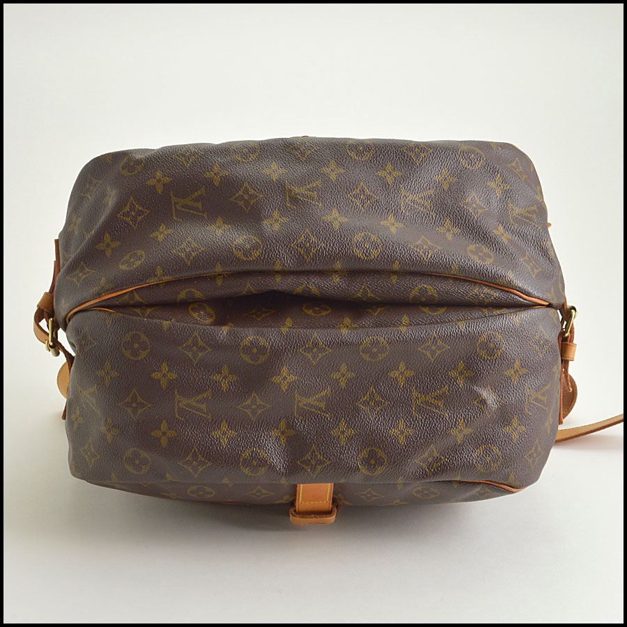RDC8735 Louis Vuitton Saumur 35 bottom