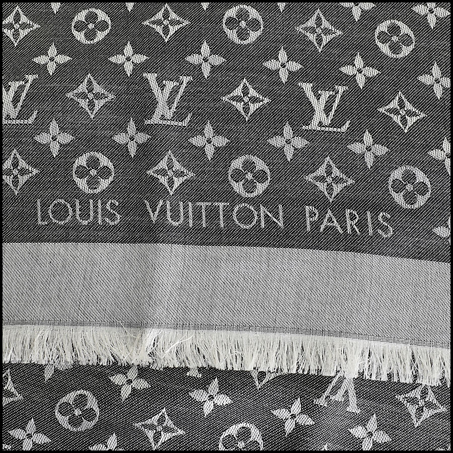 RDC9176 Louis Vuitton Black LV Monogram Shawl logo