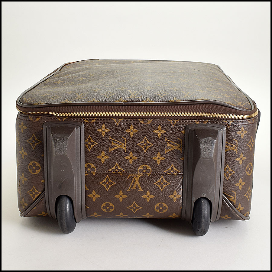 RDC9315 Louis Vuitton Pegase 55 Suitcase bottom