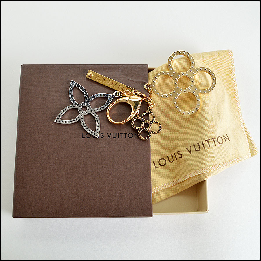 Louis Vuitton Tapage Charm comes with