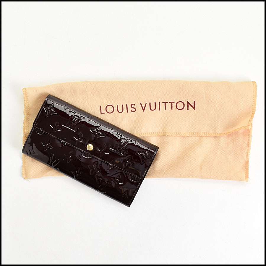 RDC9611 Louis Vuitton Amarante Vernis Monogram Wallet includes