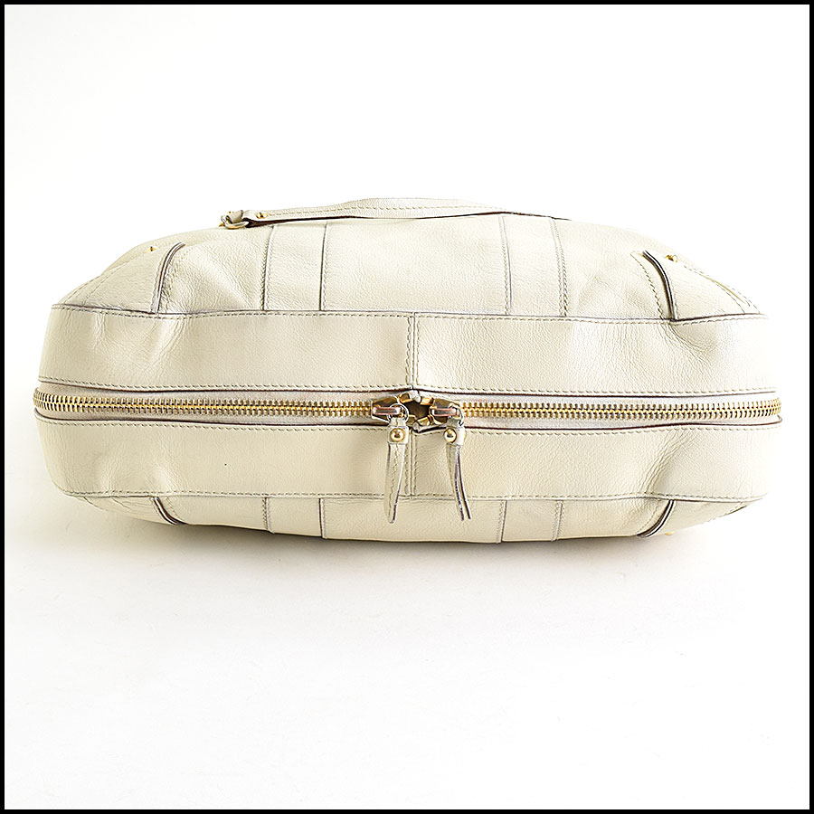 RDC9637 Marc Jacobs Ivory Zip Tote  bottom