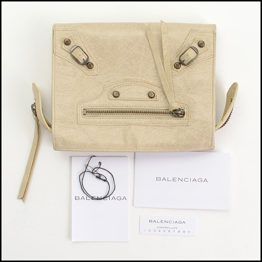RDC10658 Balenciaga Beige Travel Wallet includes