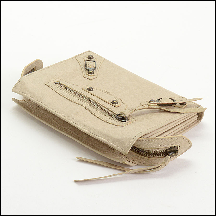 RDC10658 Balenciaga Beige Travel Wallet top