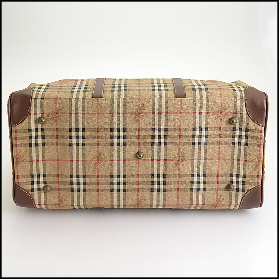 RDC10200 Burberry Boston Travel Bag bottom