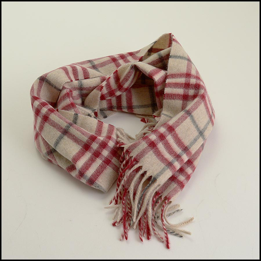 RDC11264 Burberry Red/Beige Cashmere Scarf fold