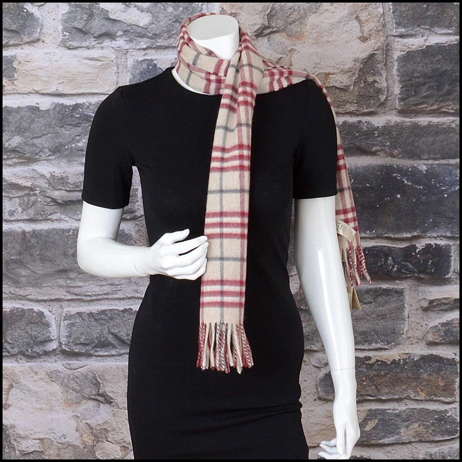 RDC11264 Burberry Red/Beige Cashmere Scarf model