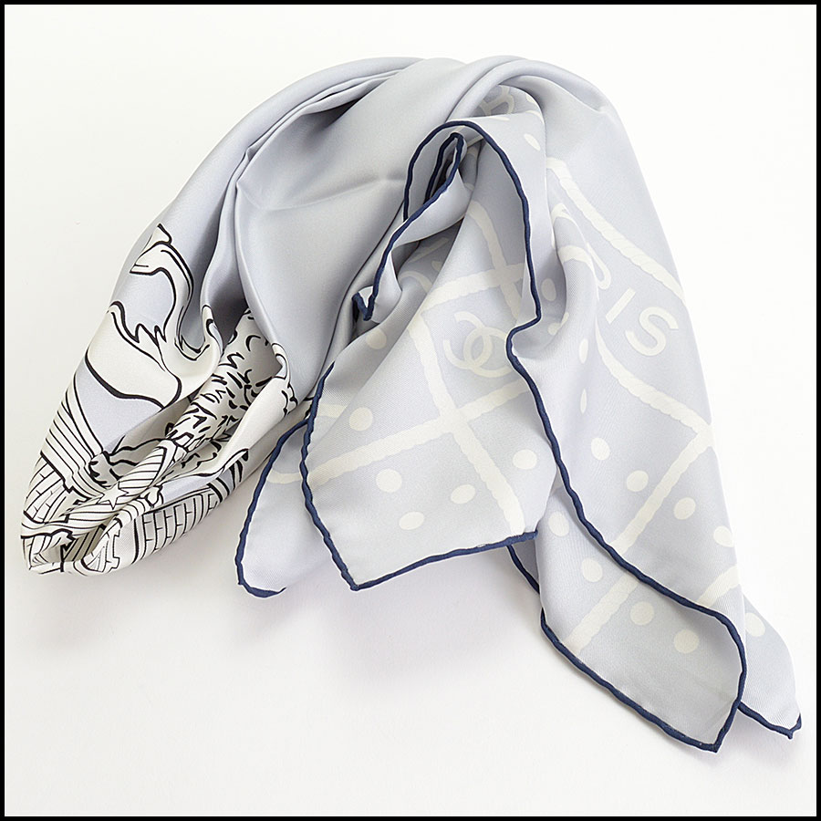RDC10132 Chanel Blue Lion Scarf model