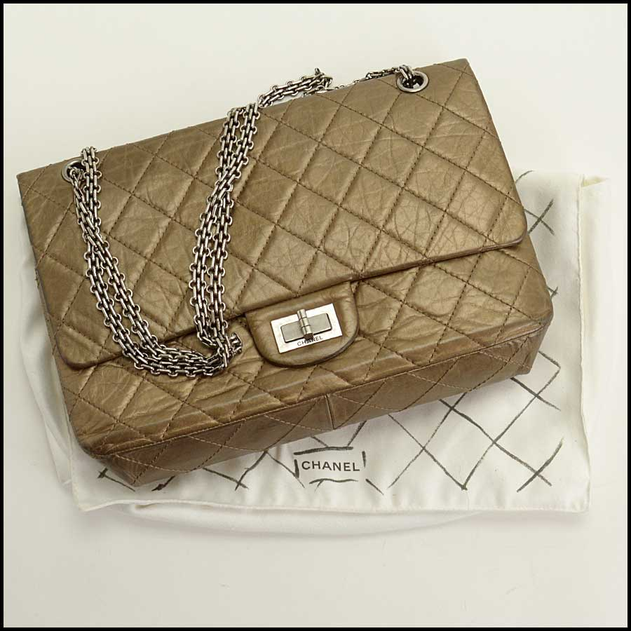 RDC11440 Chanel Bronze 227 Jumbo Reissue includes