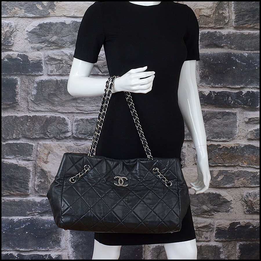 RDC10449 Chanel Black Medium Cells Tote model