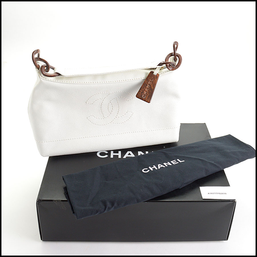 RDC10868 Chanel White Caviar Leather Sac Divers Bag includes