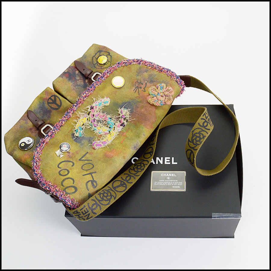 RDC11080 Chanel Canvas Runway on the Pavement Messenger Bag includes