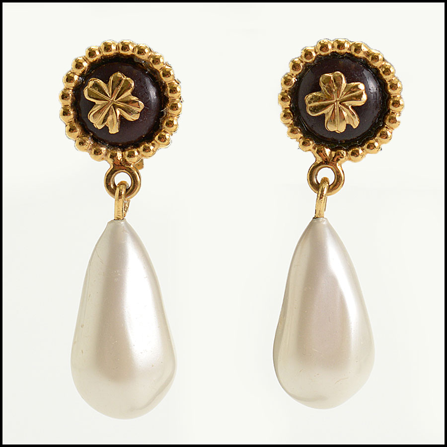 RDC10483 Chanel Pearl Drop Clip On Earrings