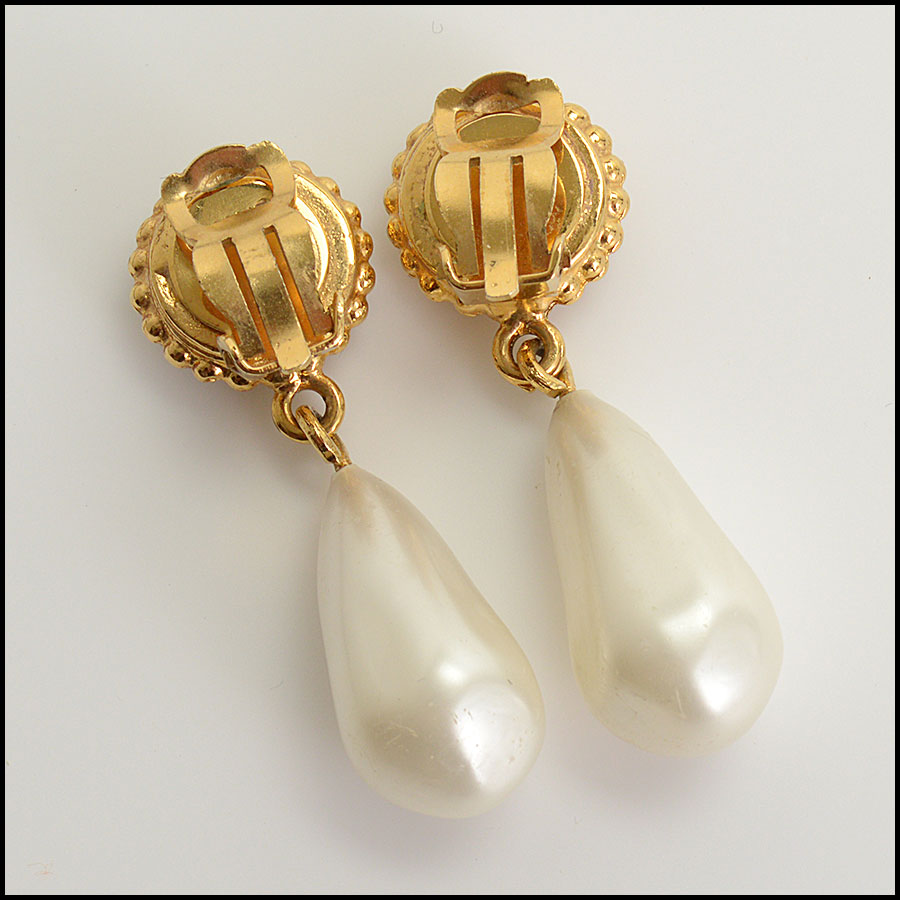 RDC10483 Chanel Pearl Drop Clip On Earrings back