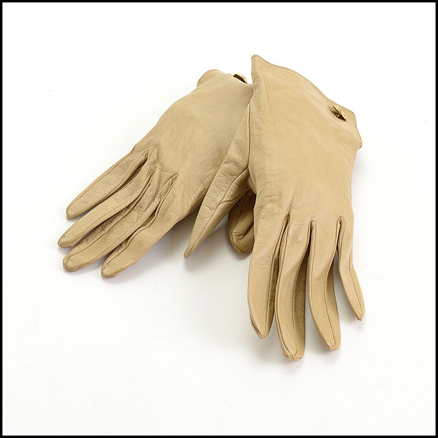 RDC10686 Chanel Beige Vintage Leather Gloves