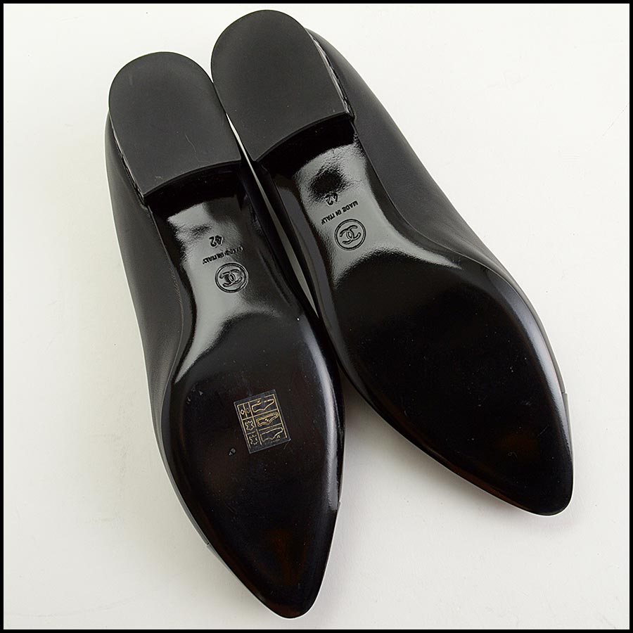 RDC11301 Chanel Black Leather Loafers Size 42 bottom