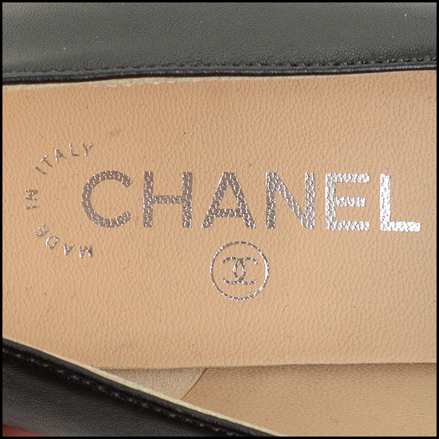 RDC11301 Chanel Black Leather Loafers Size 42 tag