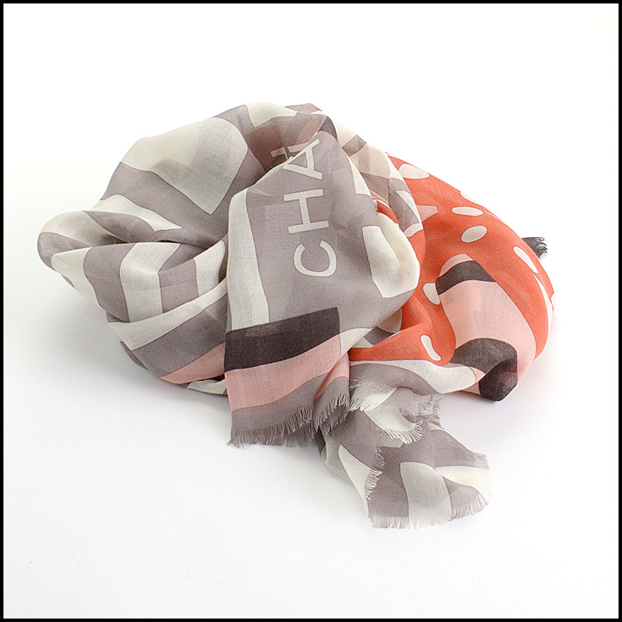 RDC11100 Chanel Taupe/Ivory/Peach Cashmere/Silk Scarf Wrap fold
