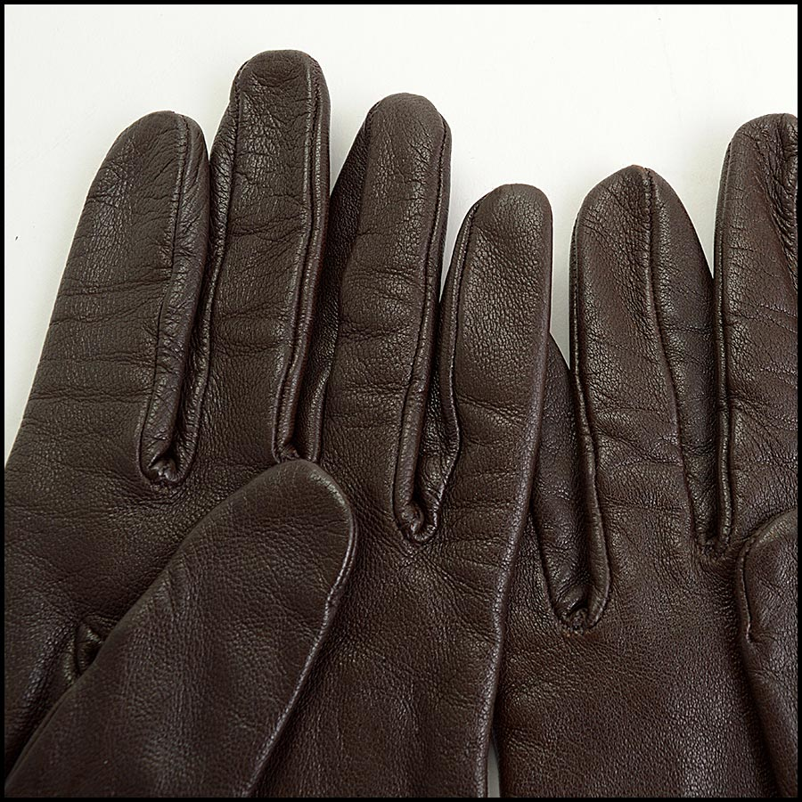 RDC11252 Hermes Brown Leather Gloves close up