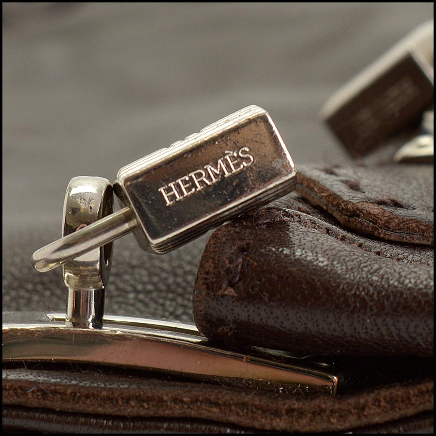 RDC11252 Hermes Brown Leather Gloves tag 2