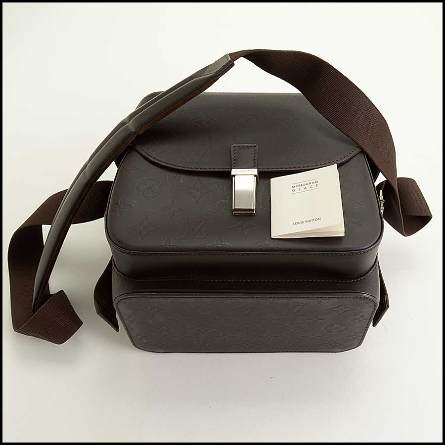 RDC11486 Louis Vuitton Brown Glaze Charly Camera Bag includes