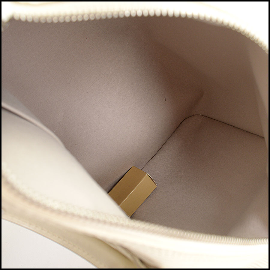 RDC9994 Louis Vuitton Ivory Epi inside