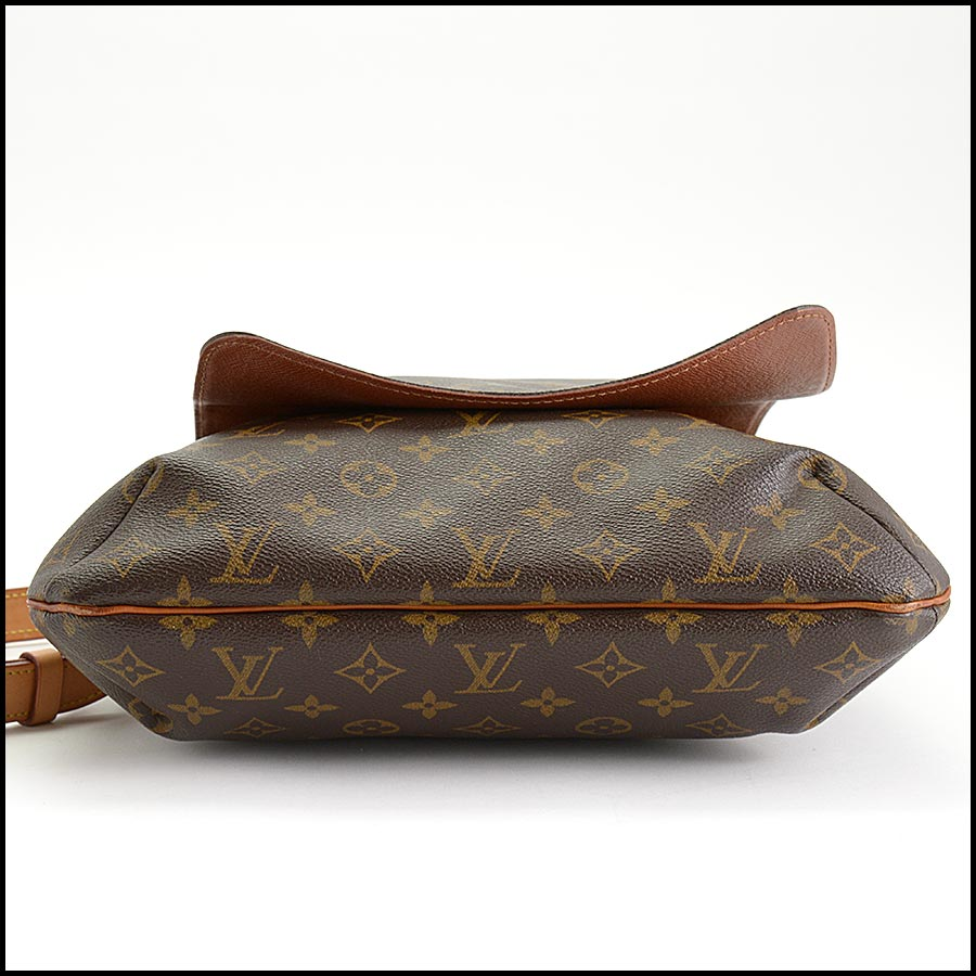 RDC11219 Louis Vuitton Monogram Musette Salsa GM Crossbody bottom