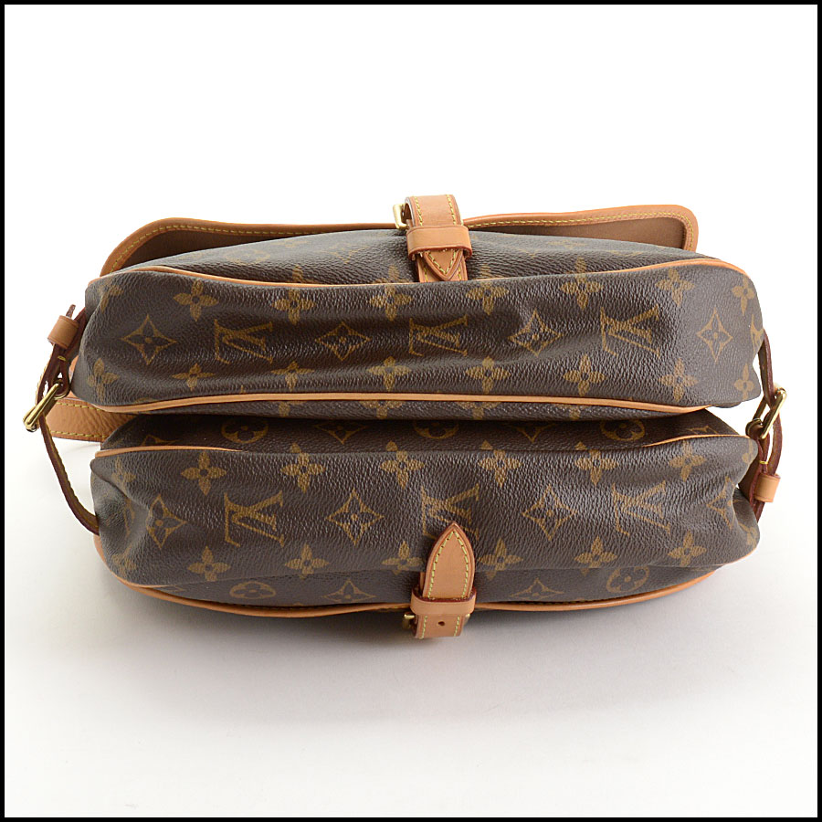 RDC10875 Louis Vuitton 2016 Monogram Saumur MM Crossbody Bag bottom