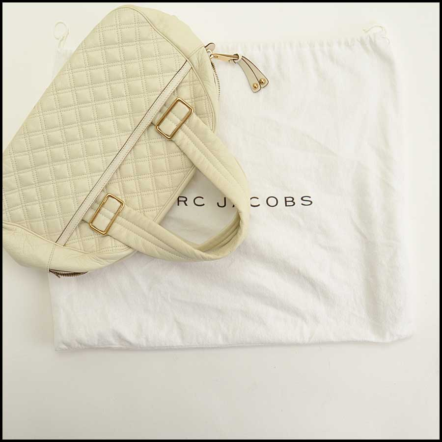 RDC11718 Marc Jacobs Ivory Leather Ursula Bag includes